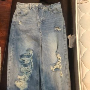 Vintage looking, SHEIN baggy distressed jeans.